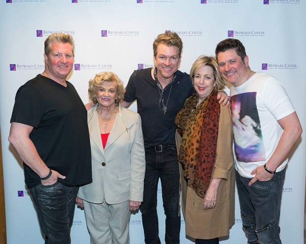 (Left to Right): Lorraine Thomas and Diana Metcalf with Rascal Flatts.