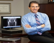 Renowned Orthopedic Surgeon Dr. William Leone to Discuss: Hip and Knee Replacements